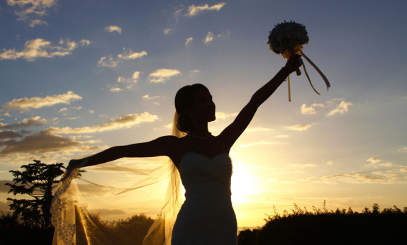 A Photographer S Opinion On Sunset Beach Weddings